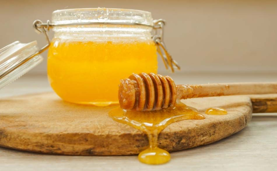 Honey jar with dipper